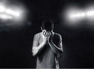 抑鬱是戒菸產生的戒斷症狀之一
