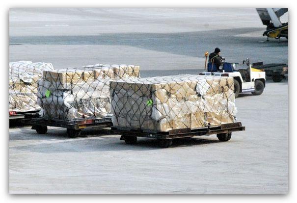 將跨國網購商品寄至香港集運,轉寄至台灣,有機會省下一筆關稅